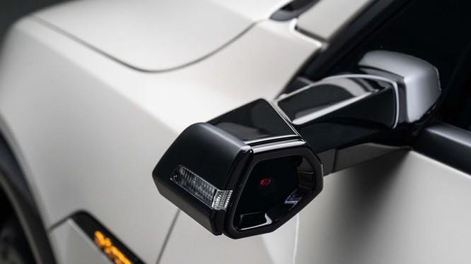 camera hành trình thay thế gương chiếu hậu
