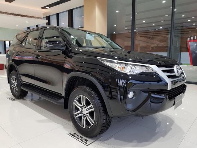 Cập nhật Giá xe Toyota tháng 10