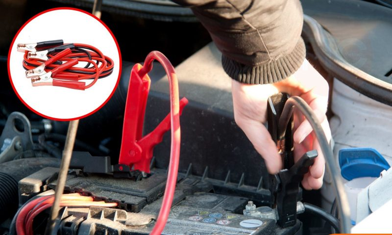 Một mẹo nhỏ giúp bạn khởi đỗng xe ô tô khi hết ắc quy Thao-day-cau-binh-acquy-800x481